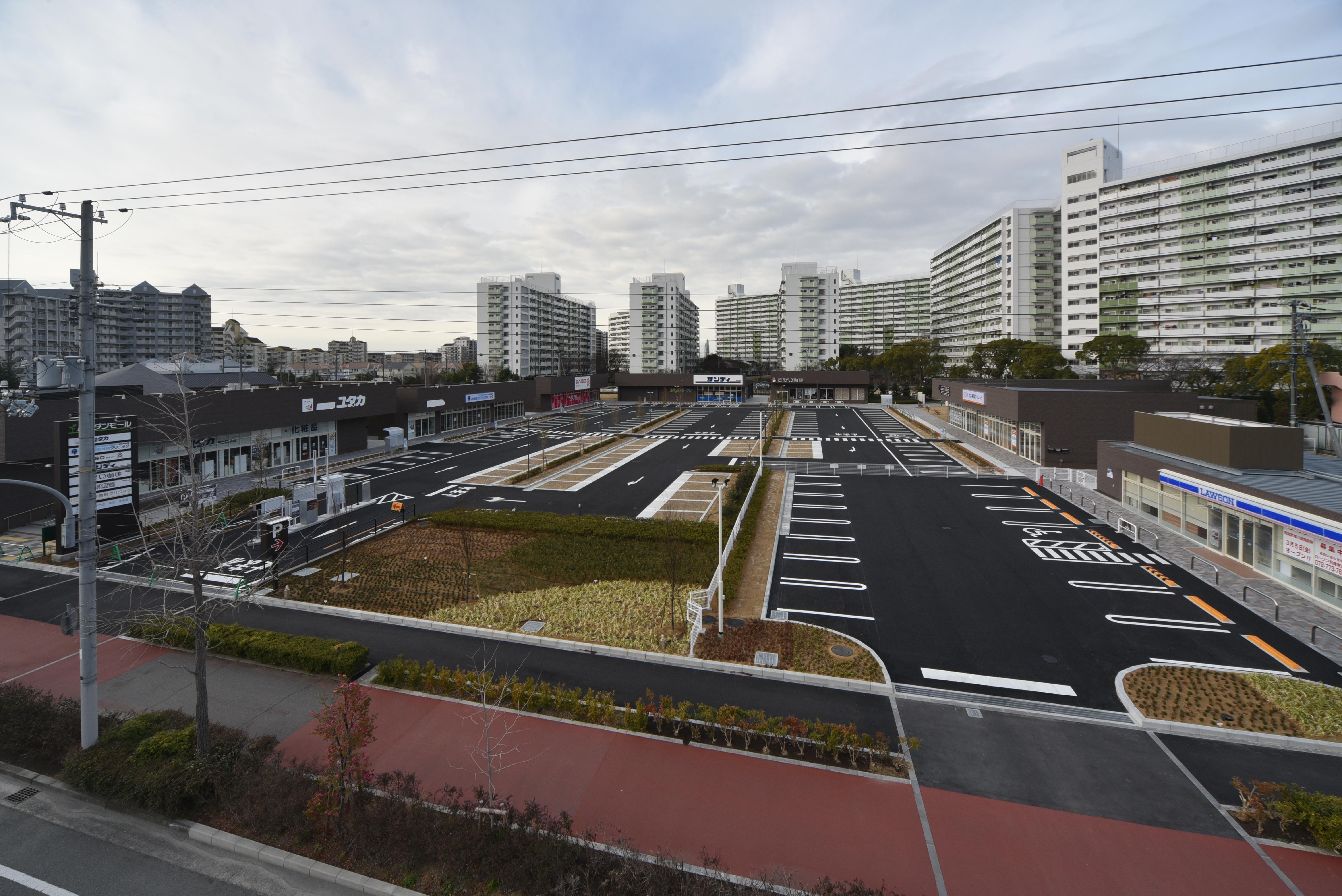 ムコダンモール(旧高須東小学校跡地開発)